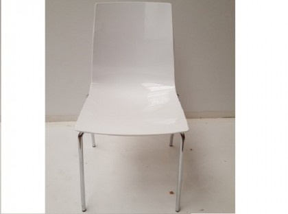 White Frovi City Chairs