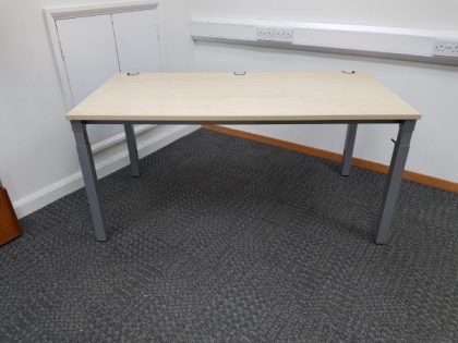 Maple Height Adjustable Desks