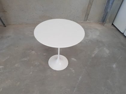 Knoll Saarinen Tulip Table