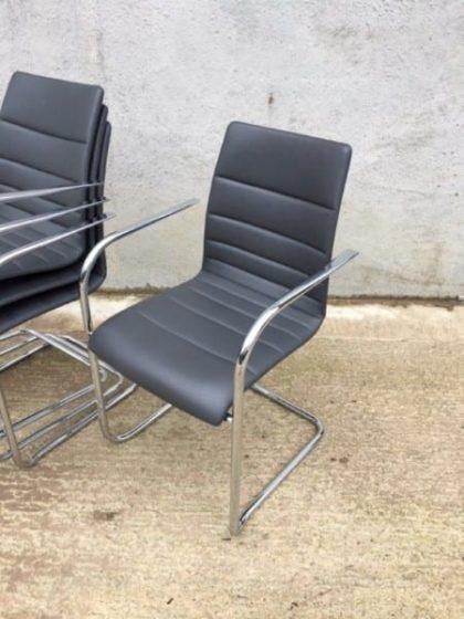 Brunner Fina Quilt Meeting Chairs