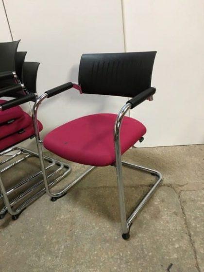 Dauphin Teo Meeting Chairs