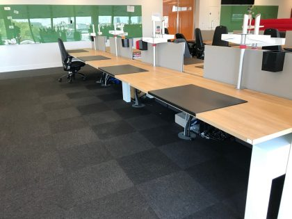 Knoll Plateau Bench Desks