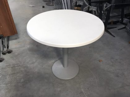 Frövi Wedge Circular Dining Tables